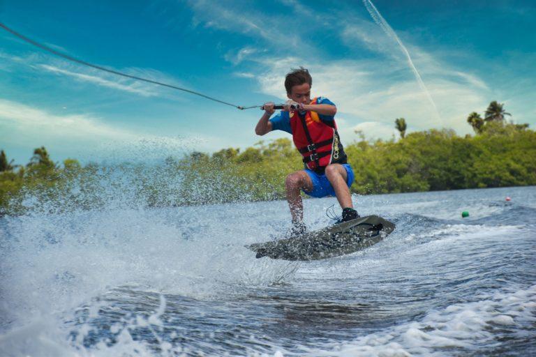saut wakeboard enfant